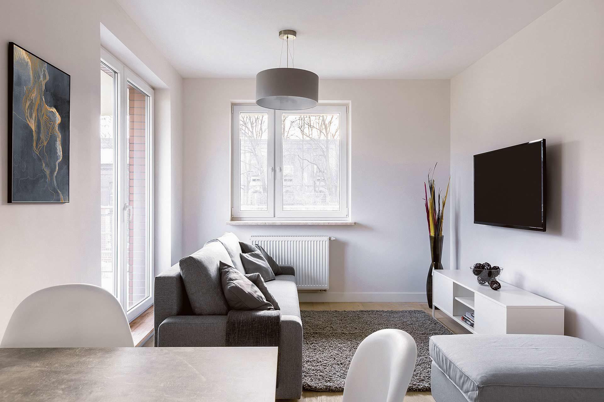 Arredare case piccole: esempio di soggiorno e cucina piccolissima